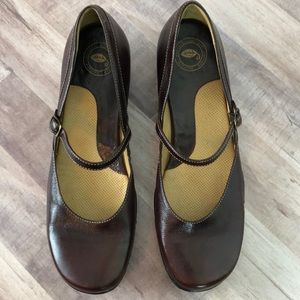 NWT Nurture Mary Jane Leather Shoes